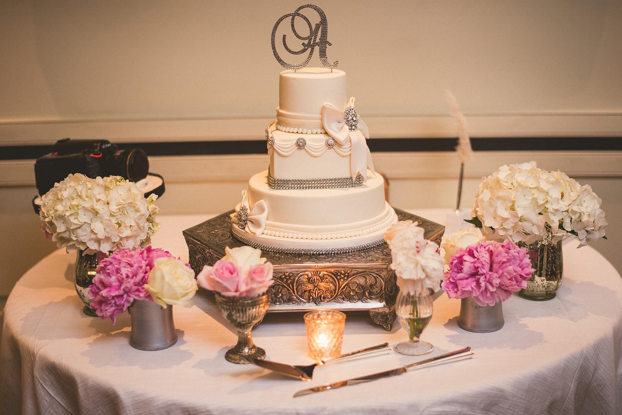 73-photographers-wedding-cake.jpg