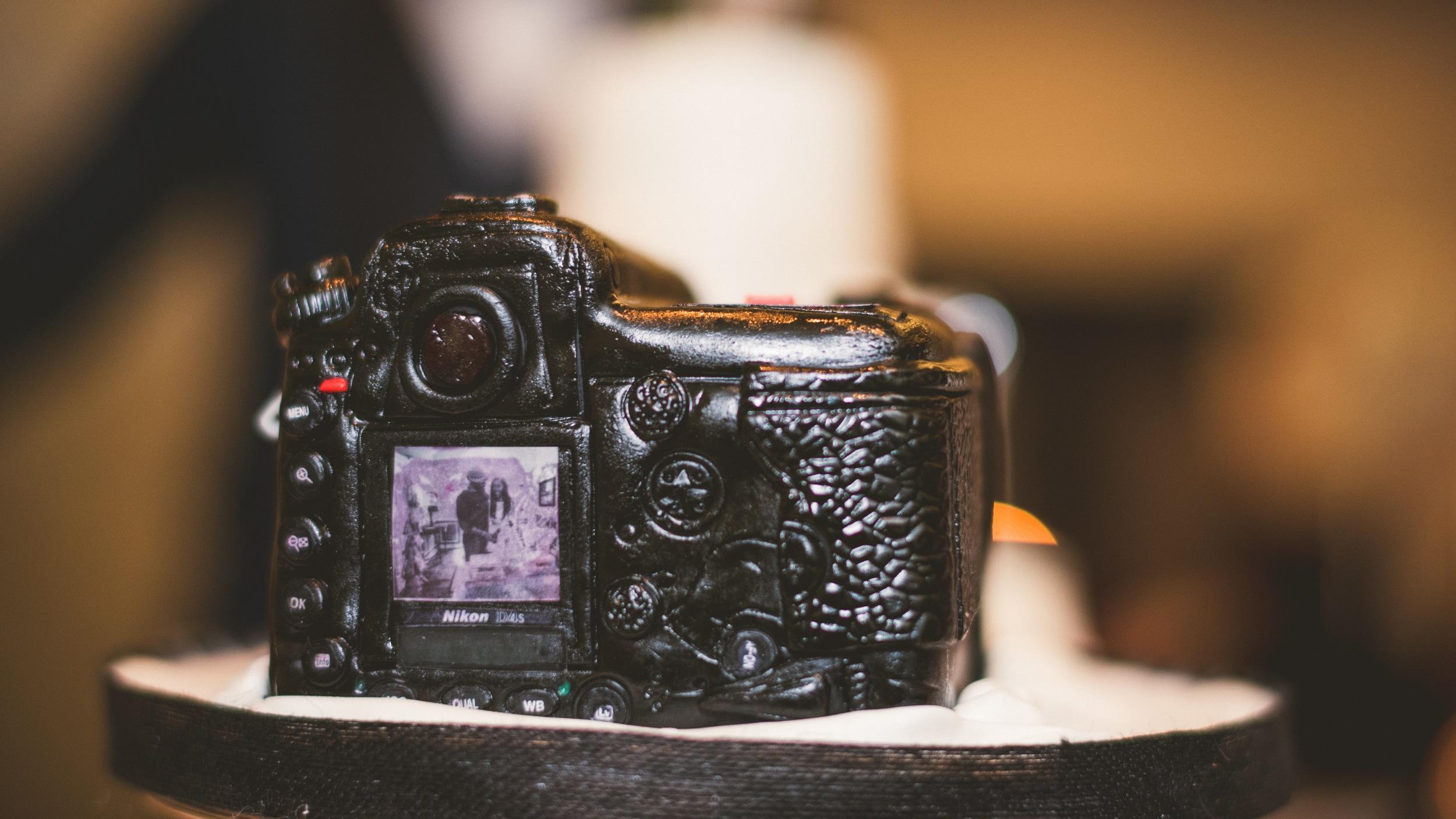 72-nikon-d4s-wedding-cake.jpg