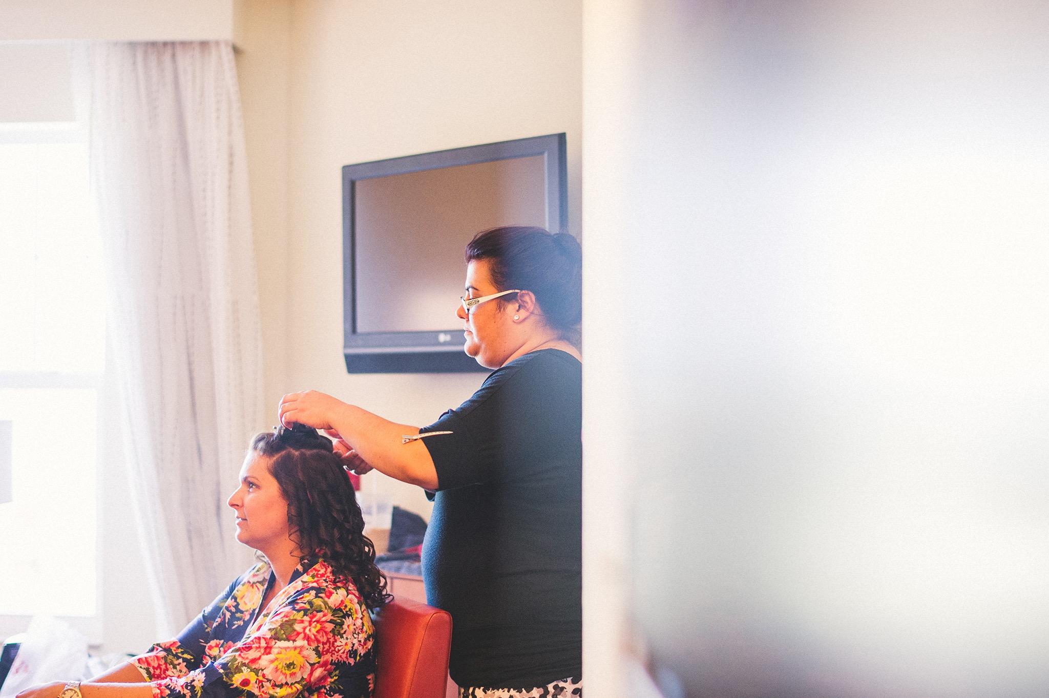 03-bridal-hair-styleist.jpg