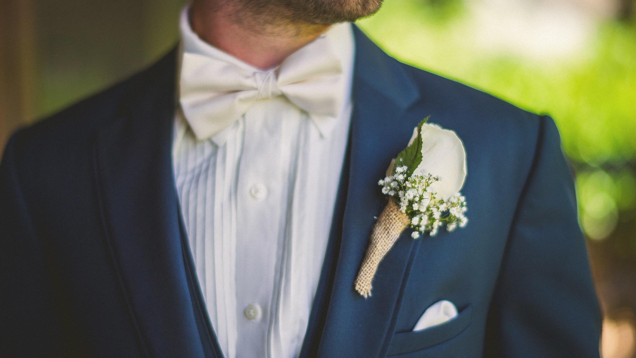 14-rustic-groom.jpg
