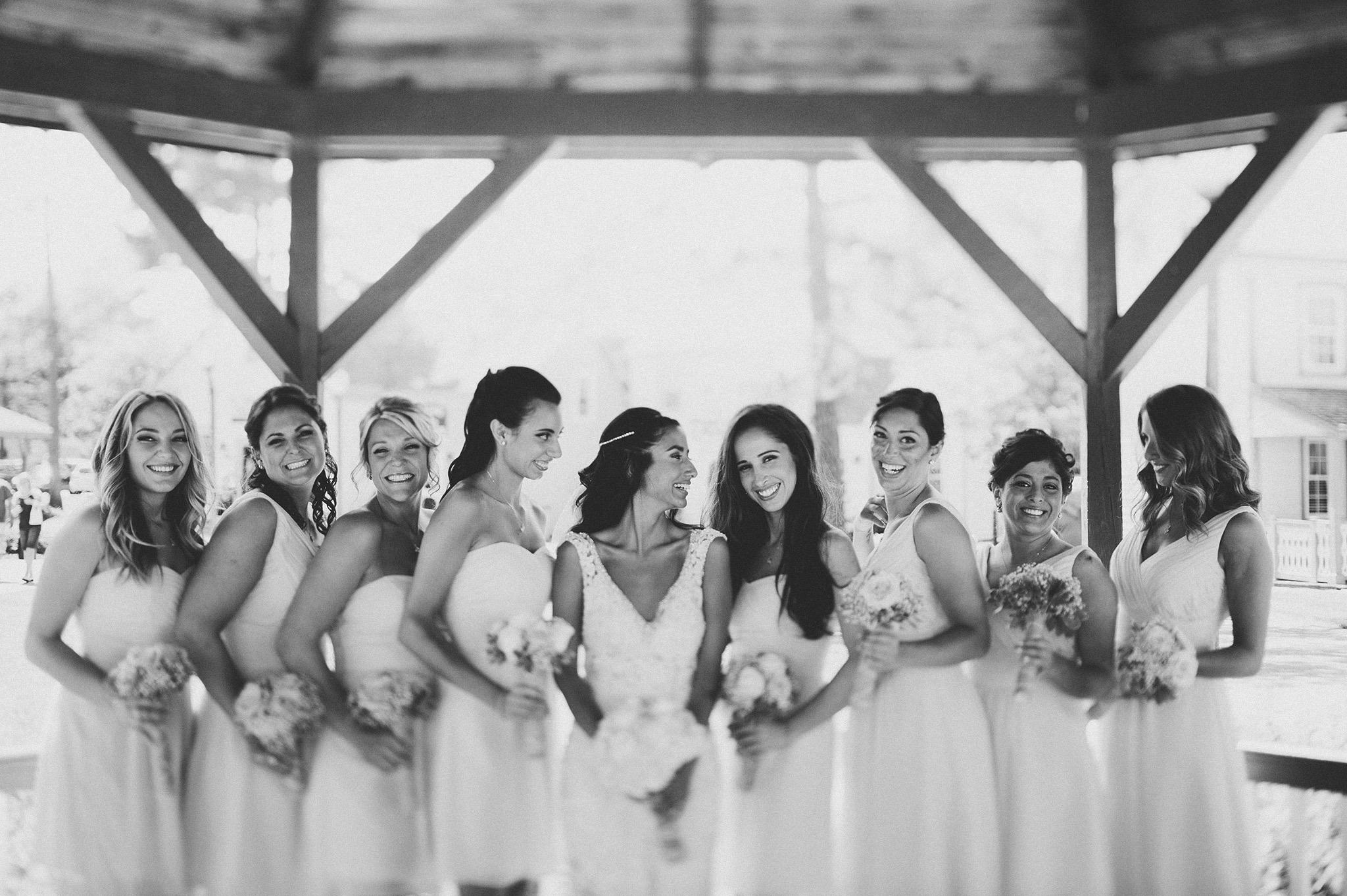 25-bridesmaids-at-smithville-inn.jpg