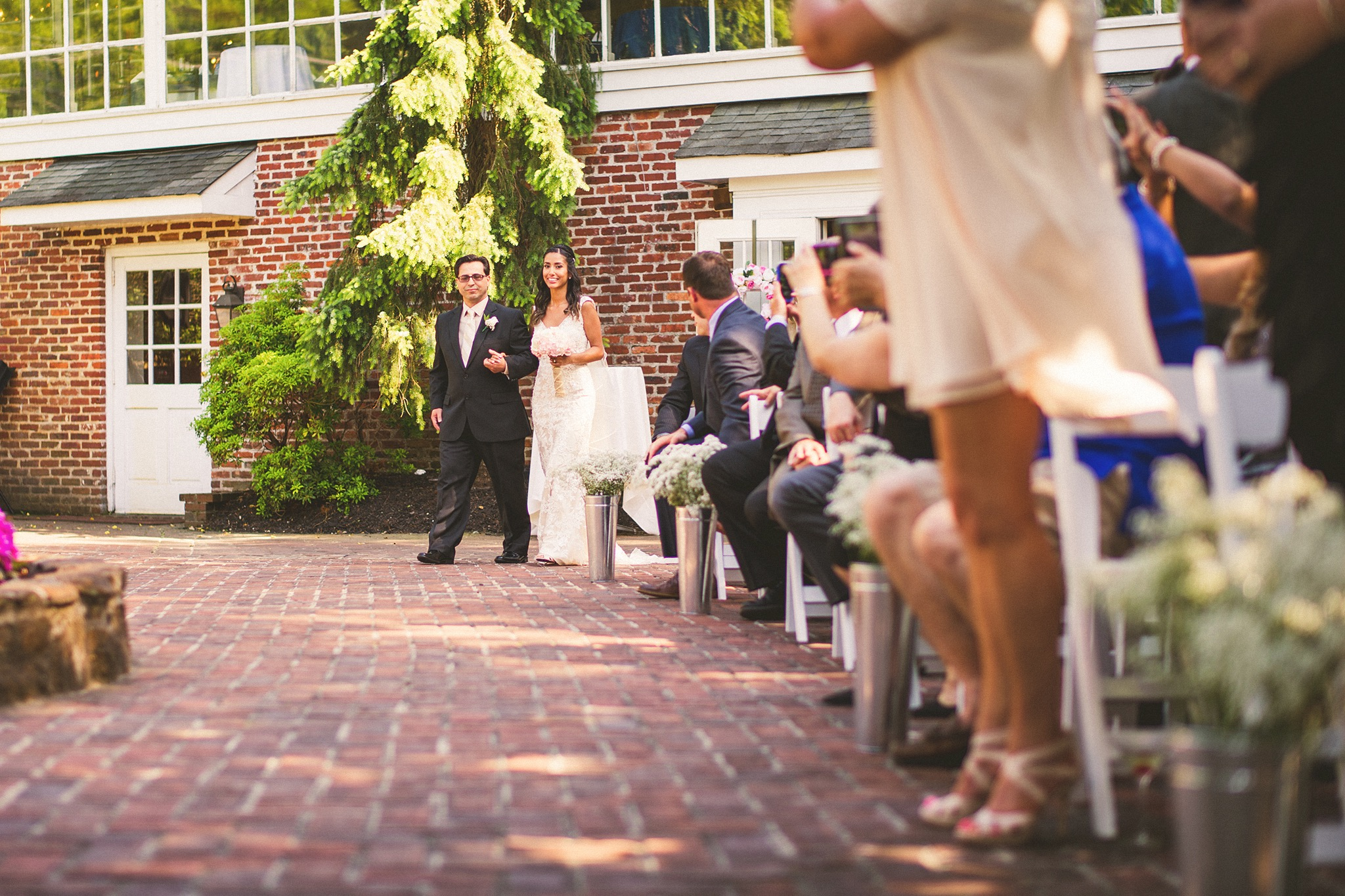 46-bride-walking-down-asile.jpg
