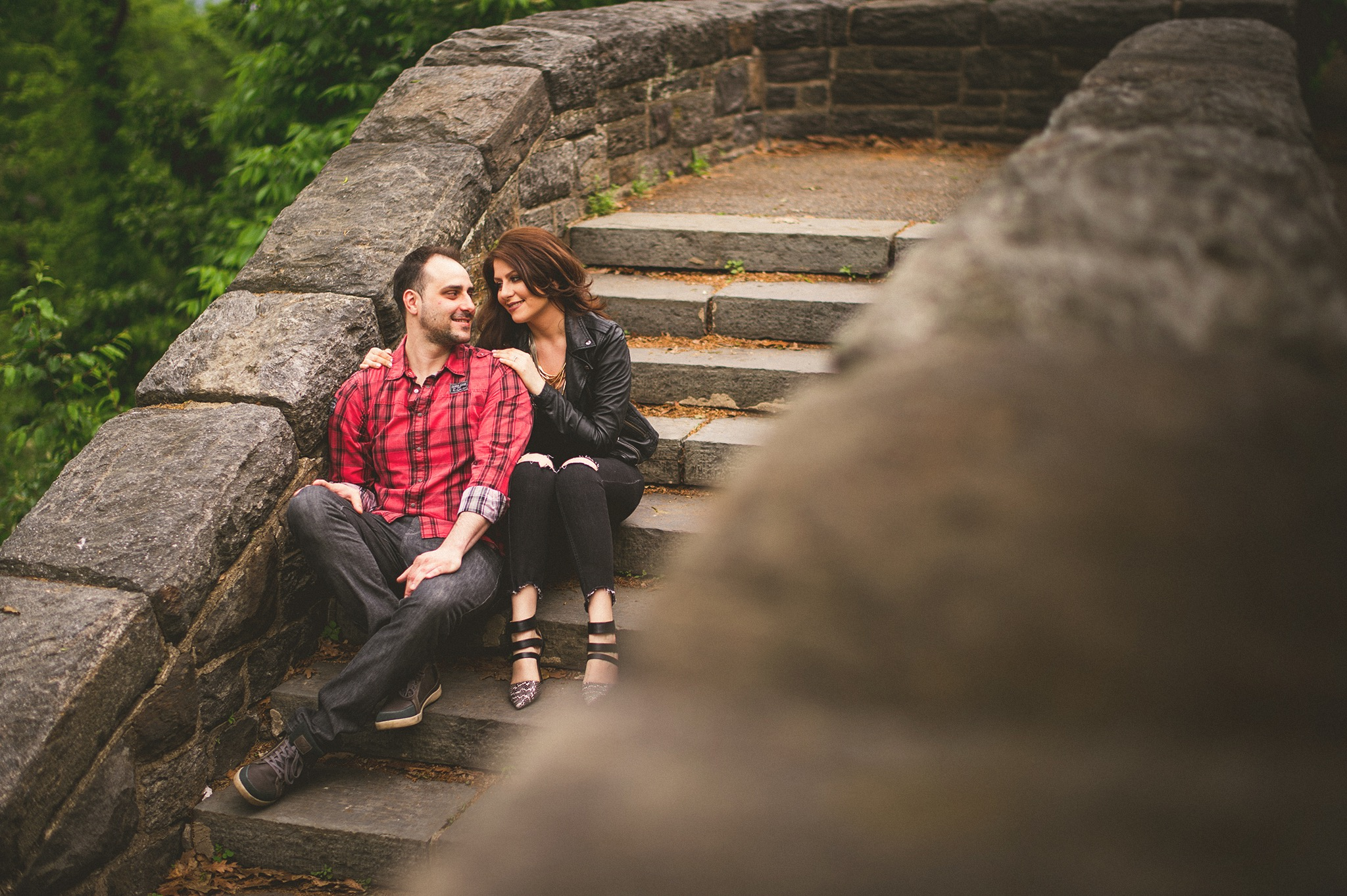 04-couple-sitting-nycparks.jpg