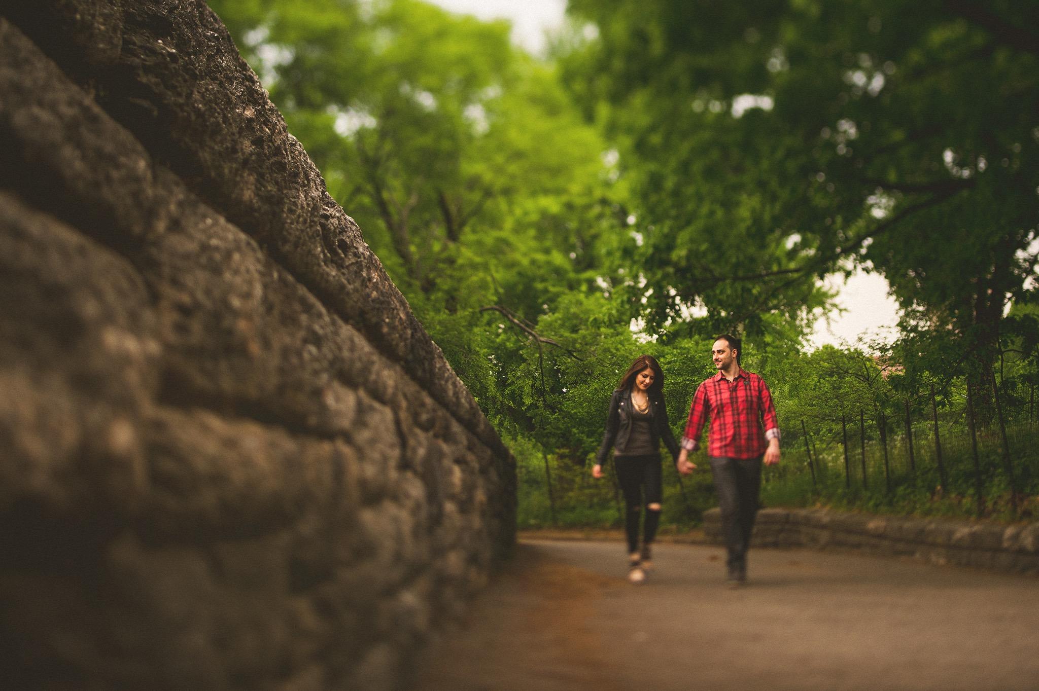 08-couple-walking-tiltshift.jpg