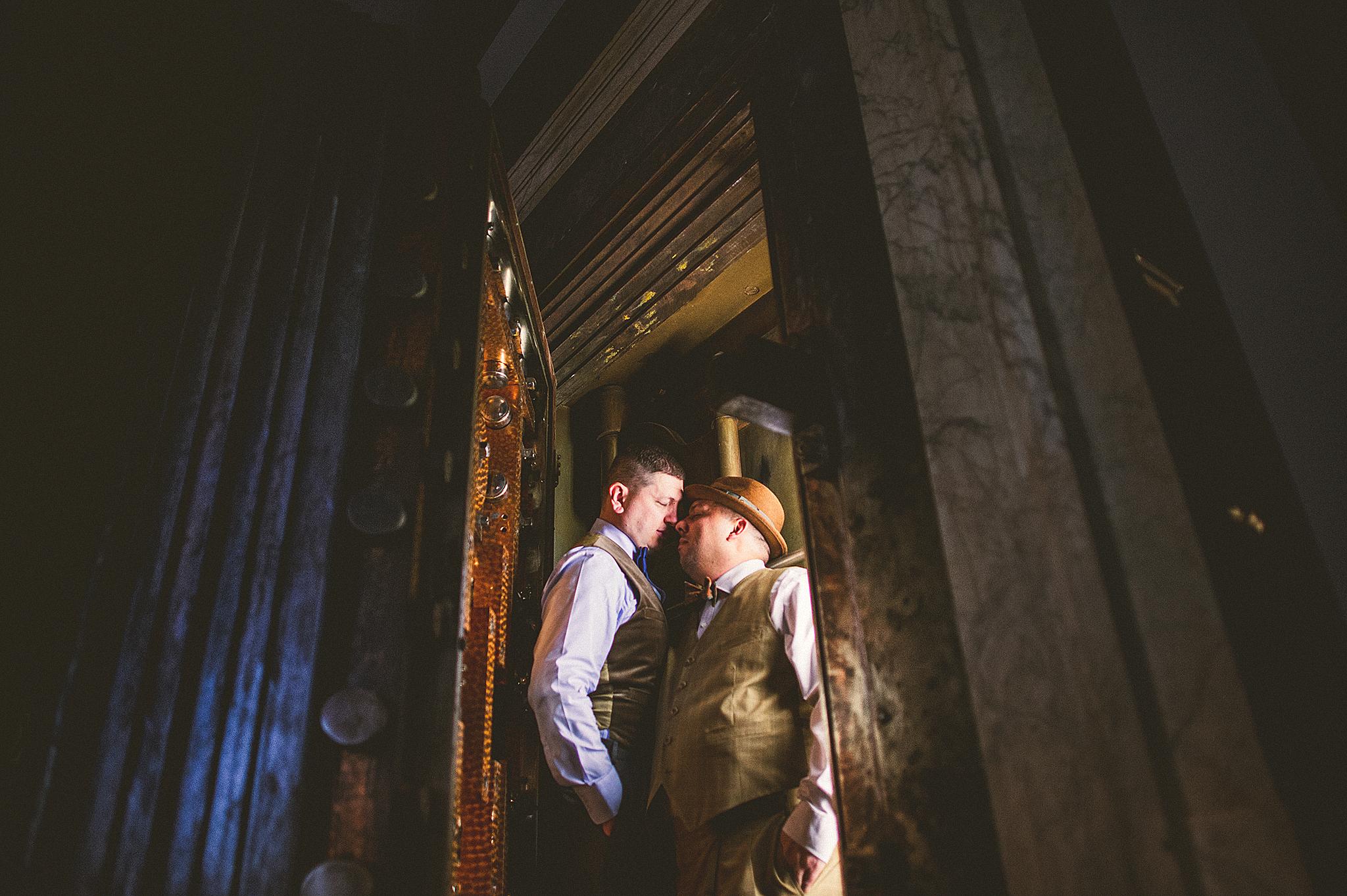 09-newyork-wedding-photographers copy.jpg