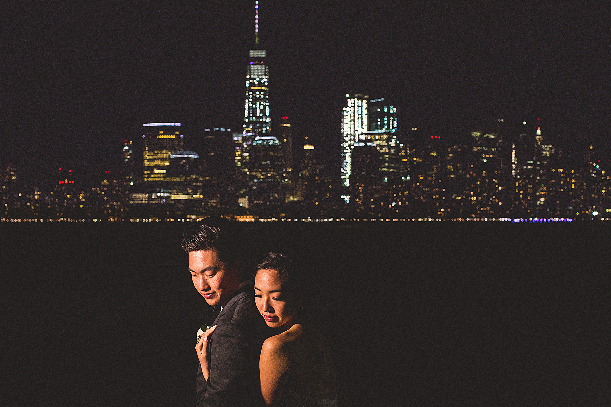 11-nyc-skyline-wedding-photos.jpg