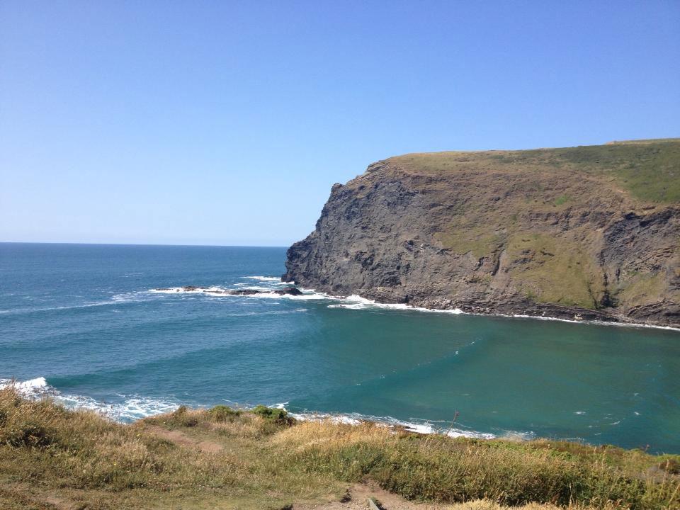 kendra-pilates-north-cornwall-retreat-beach