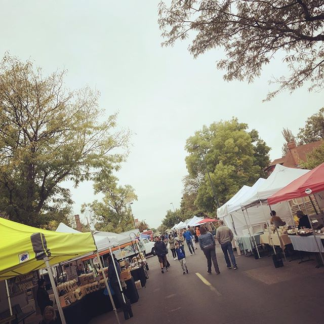 Last farmers market of the season! Come show your support for all the amazing vendors... . . . #farmersmarket #visitdenver #peaches #community