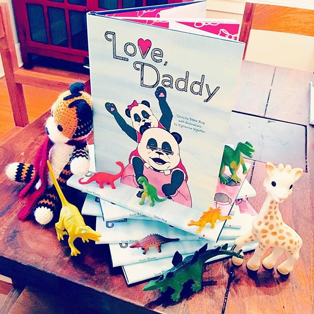 "BEEP BEEP!!! 📬💌 This just in! A Positively Panda-riffic Book Giveaway 📚right in time for FATHERS DAY!!! From now until June 14, for every 20 entries received, we will randomly draw a winner to receive a free autographed copy of ""Love, Daddy""!!! Winners announced June 14 and books ship out on June 15. To enter the contest, please visit www.lovedaddythebook.com and enter your name and email address in the pink ""Join Our E-mail List"" box. Yup, it's that simple to win a chance for some serious 🐼❤️!!! #fathersday #fatherhood #kidlit #kidlitchat #childrensbook #bookgiveaway #bookmarketing #panda #scbwi #selfpublishing #indieauthor"