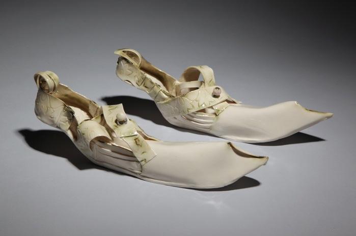Inge Roberts      Reaching Beyond , 2011     Porcelain, cone 10 oxidation