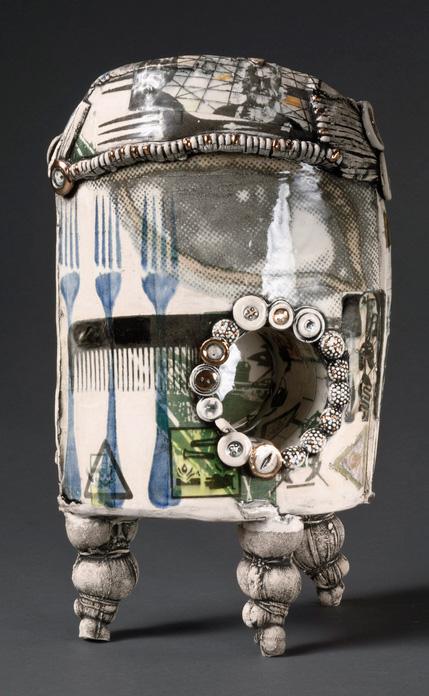 Sigrid Zahner    Three-Legged Distance , 2013     Ceramic