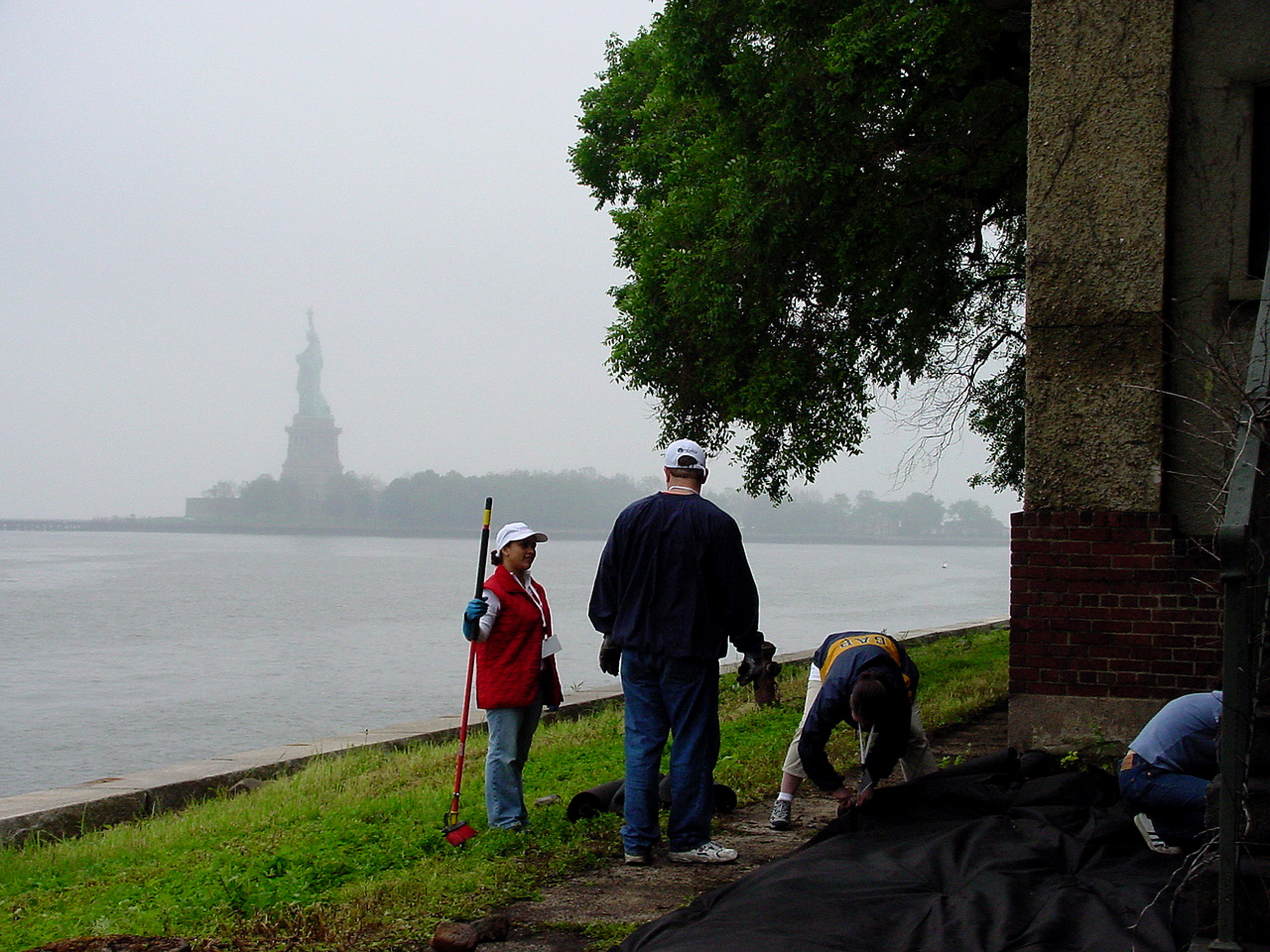Workers and Statue of Liberty.jpg