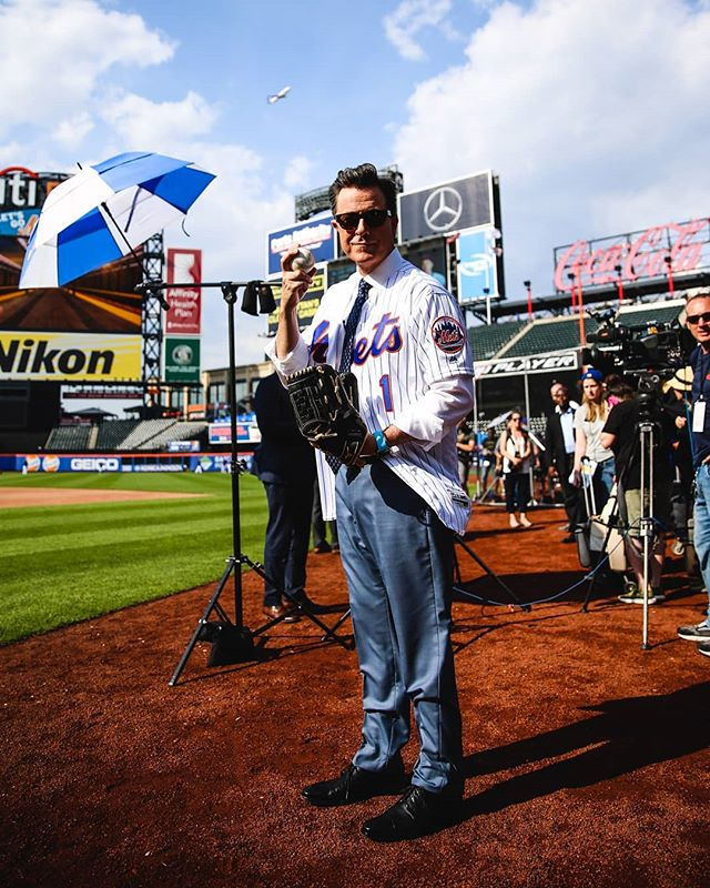 Internship comes full circle ⚾ . . . #mlb2018 #stephencolbert #colbert #colbertreport #lateshow #citifield #baseball #nym #mlb #nyc #ig_masterpiece #maga #ig_nycity #theimaged #artofvisuals #nycprimeshot #mlbphotos #sportsphotography #newyork_photoshoots #ignewyork212