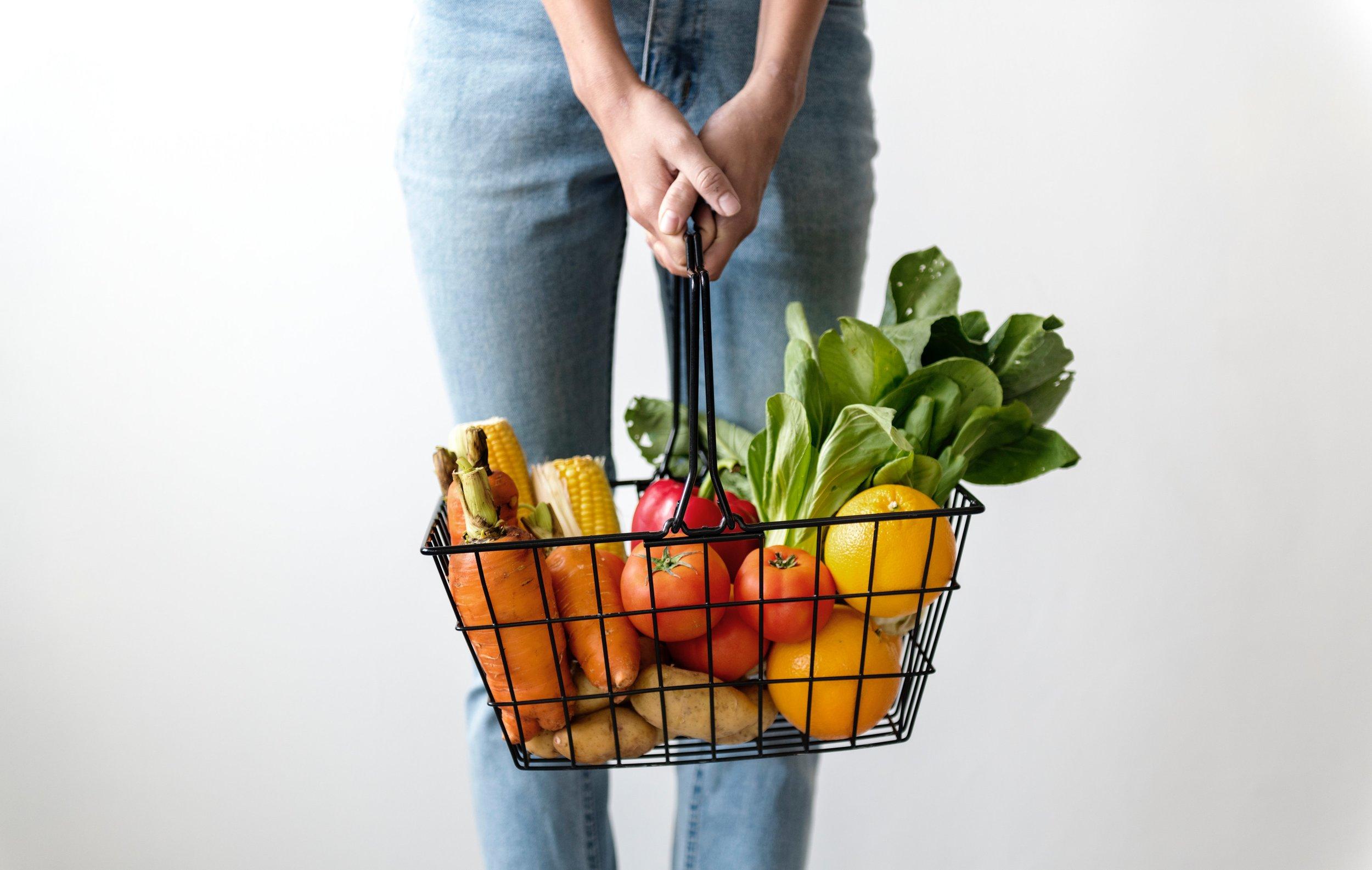 alone-basket-carrots-1389103.jpg