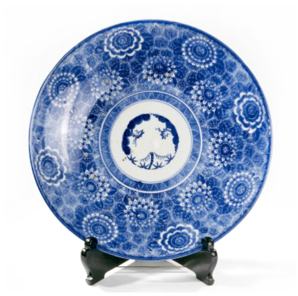"""Charger with """"Three Friends of Winter"""" motif"""