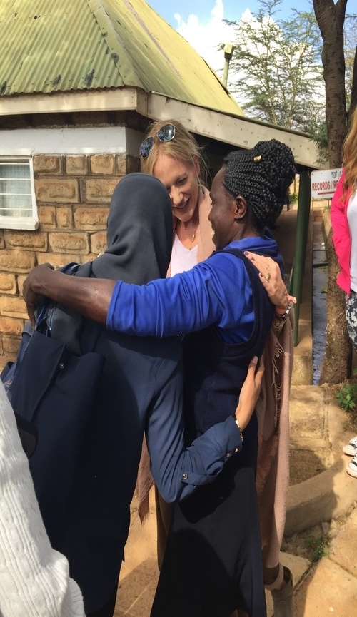 ... all with a hug and reference to former encounters, here with Dr. Sidiqa, Stacy and Rosaline ...