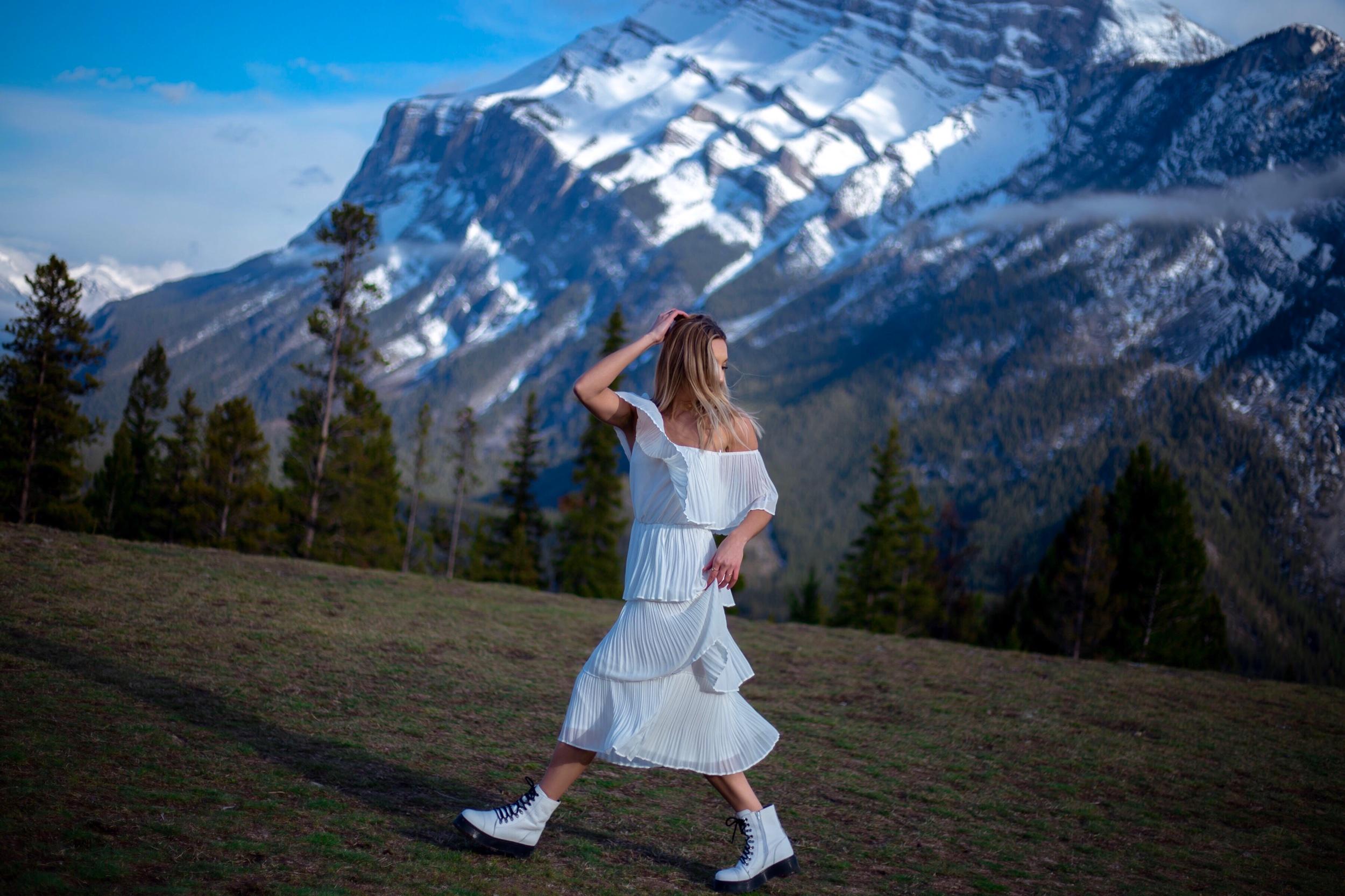 banff alberta photoshoot photography portrait brittanylaurens explore outdoor brittany lauren