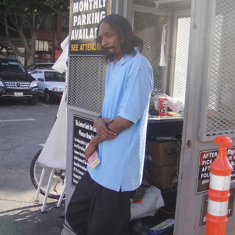 Snoop Dogg valet attendant