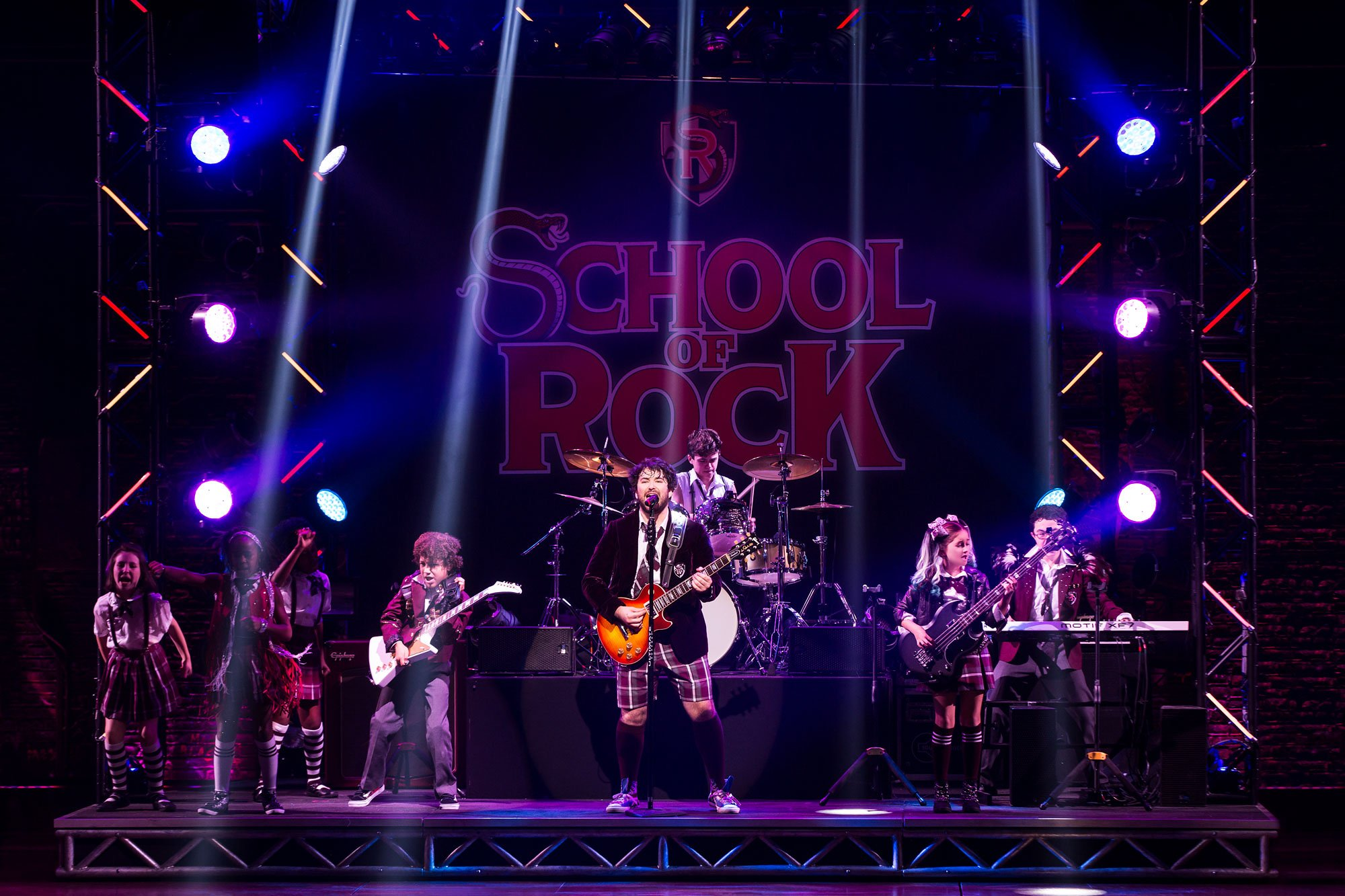 02-school-of-rock-broadway.jpg
