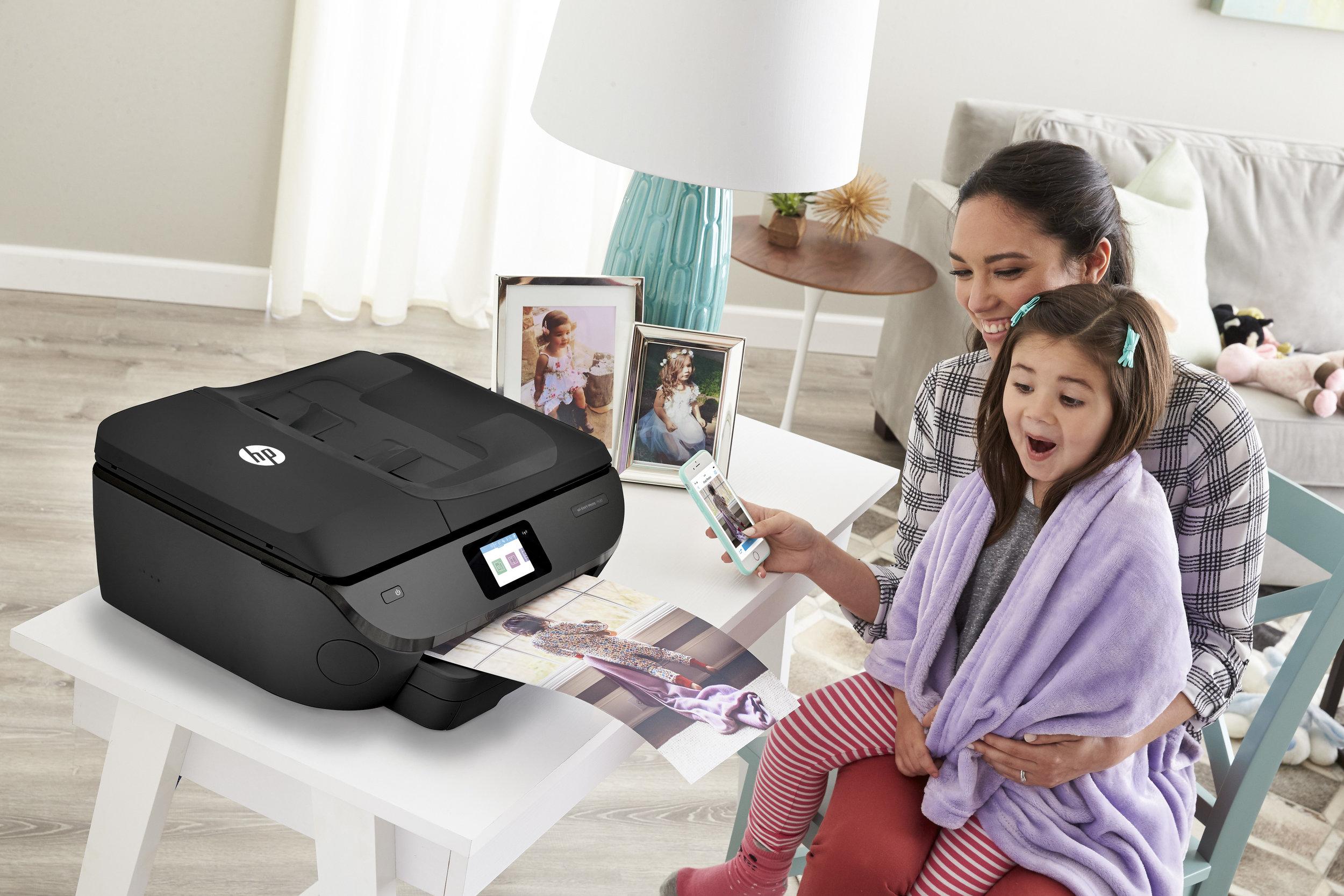 HP_ENVYPhoto_Blanket_Family 1_Product In Situ_7800.jpg