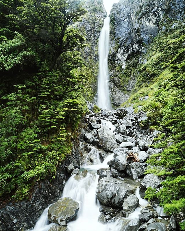 New Zealand Day 18: Chasing more waterfalls in Arthur's Pass!! Lucky last Devils Punchbowl Falls 🏔️⛰️ -- #Arthurspass #waterfall #foxglacier #glacier #glaciercountry #adventure #nature #travelnewzealand #newzealand #nz #chloestraveldiary2017 #picturesque #landscape #landscapephotography #globalexplorer #travel #travelblog #travelgram #travels #travelphotography #igminimal #ignz #igtravel #igphotography #igdaily #igers #igesoftheday #photooftheday #sonya6000 #vsco