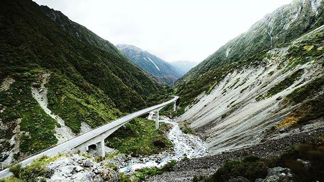 New Zealand Day 18: Devil's Corner! 🏔️⛰️ -- #Arthurspass #waterfall #foxglacier #glacier #glaciercountry #adventure #nature #travelnewzealand #newzealand #nz #chloestraveldiary2017 #picturesque #landscape #landscapephotography #globalexplorer #travel #travelblog #travelgram #travels #travelphotography #igminimal #ignz #igtravel #igphotography #igdaily #igers #igesoftheday #photooftheday #sonya6000 #vsco
