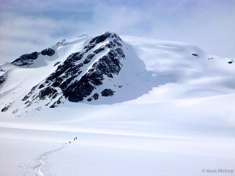 Ski touring towards Icemaker.