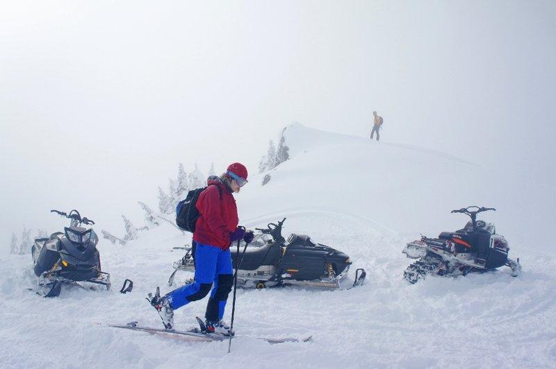 Summit of Gin Peak. A non-motorized zone. Photo Gili Rosenberg.
