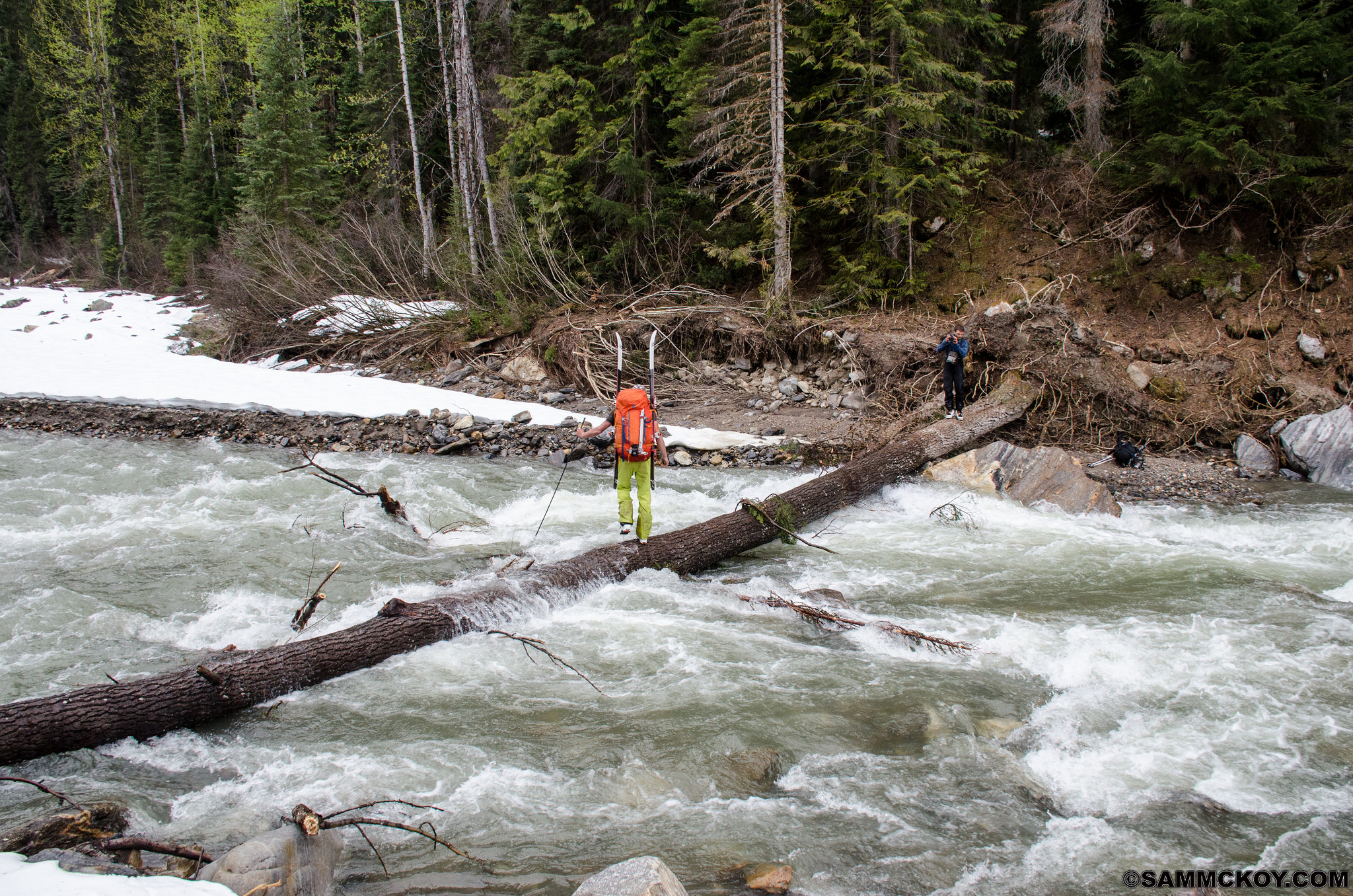 Steve a little past midway across the span of Windy Creek. Here he uses a probe for lateral support.