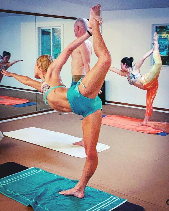 Ripping it up Kauai style! Stretching and kicking are equal, can't you see it 🔥💪🏼😍 Come and get your yoga on!  And happy Groundhog Day too 💥 ————————————————— #bikramyoga #yogatime #hawaiiyoga #yogaforeveryone #standingbowpullingpose #kickup #locktheknee #yoga #yogapose #yogis #yogaclass #tryyourbest #stretching #yogainspiration #yogabody #yogagram #yogaasana #yogalife #yogastudents #yogaeverydamnday #getthefirestarted