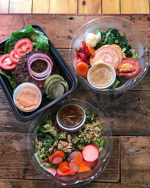 What's cooking? Come by and check out what we've prepared for you today. Serving black bean savory veggie burgers on romaine, hummus bowl with red quinoa, and edamame rice noodle bowl with spicy sesame ginger dressing. Warm up with our delicious healthy gluten free dairy free soups too. 💕❤️👩‍🔧🍉 Follow us for daily specials. 🌱#superfood #lido #healthy #plantbased #vegeterian #fitfood #diet #protein #nutrition #gastropost #thefeedfeed #boston #hingham #southshore #vegan #energy #juicebarjam #lidoexpress #digin #greenjuice #cleanse #soup #lunchatlido #hinghamhangout #yum #followus #glutenfree #dairyfree