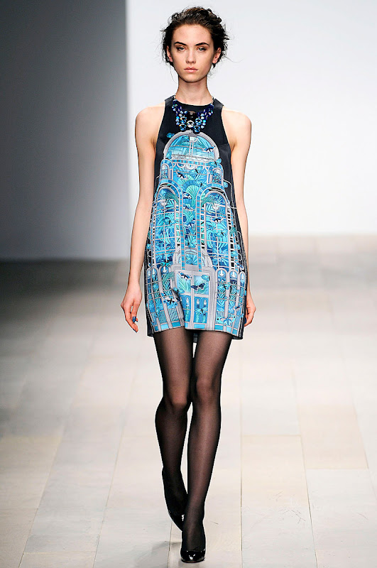 holly-fulton-rtw-fw2012-runway-25_123816724899.jpg