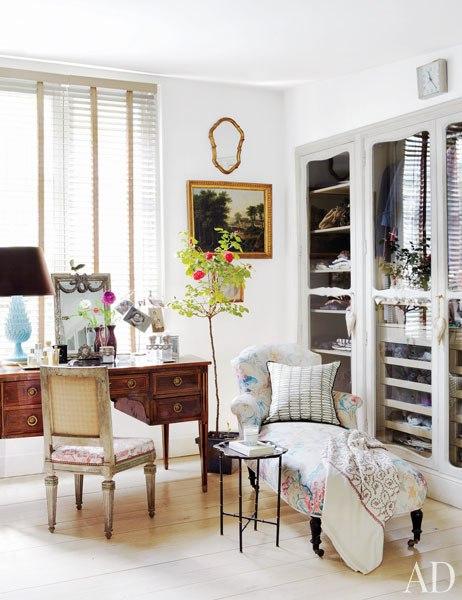 item10.rendition.slideshowWideVertical.isabel-lopez-quesada-madrid-11-dressing-room.jpg
