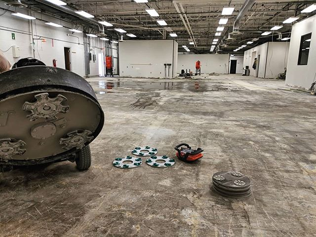 Getting this slab from an old hosiery mill fit for a medical device manufacturer.  #polishedconcrete #PG820RC #hiperfloor #concretepolishing #concrete #concretefloors #floor