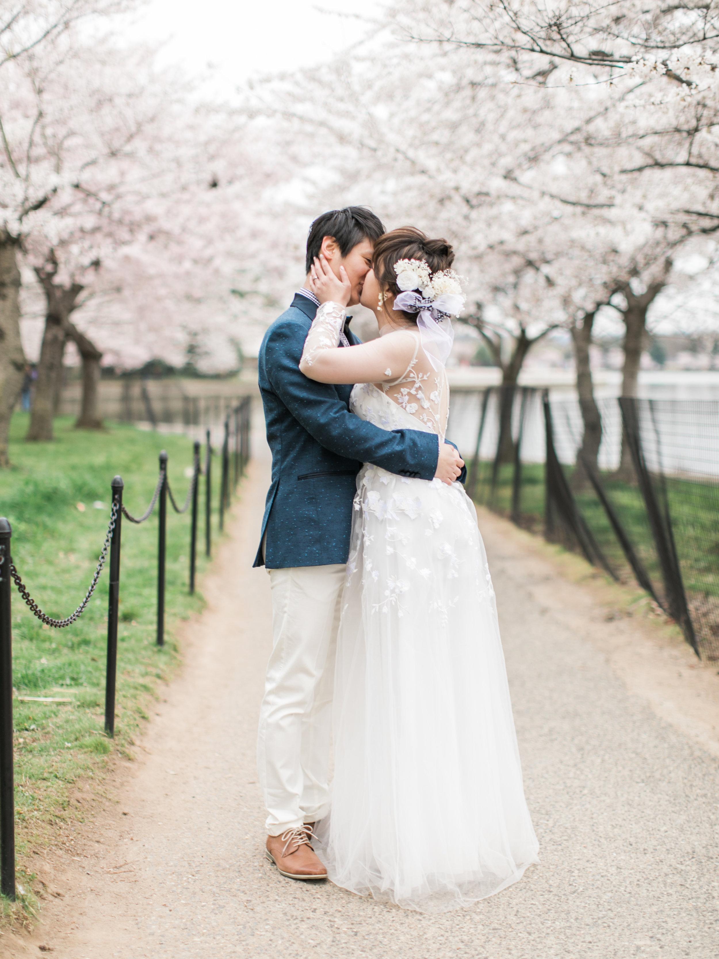 cherry-blossom-engagement-photos39.jpg