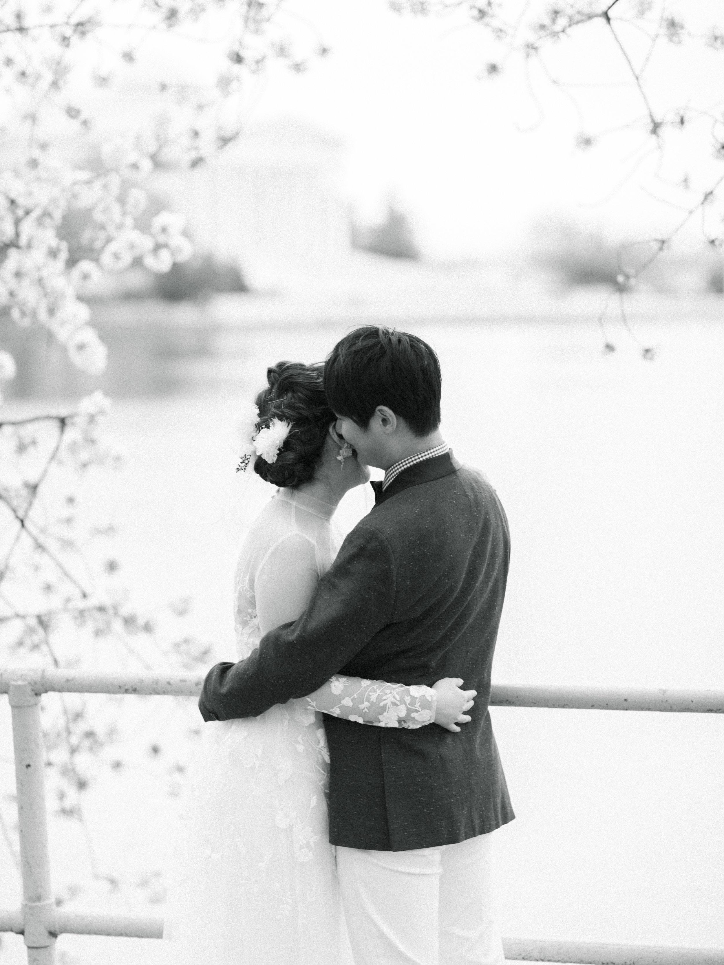 cherry-blossom-engagement-photos53.jpg
