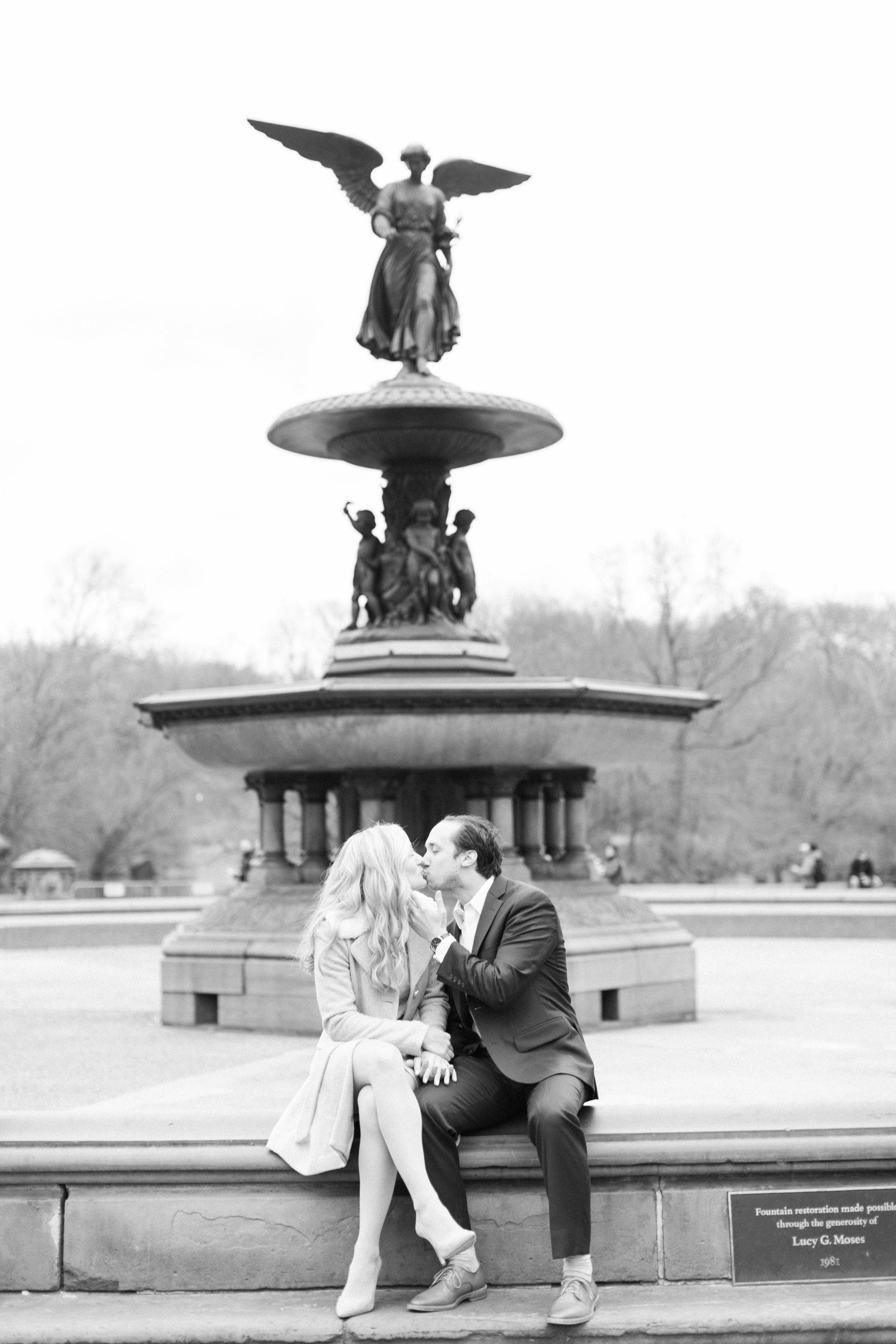 Winter-Central-Park-Engagement12.jpg