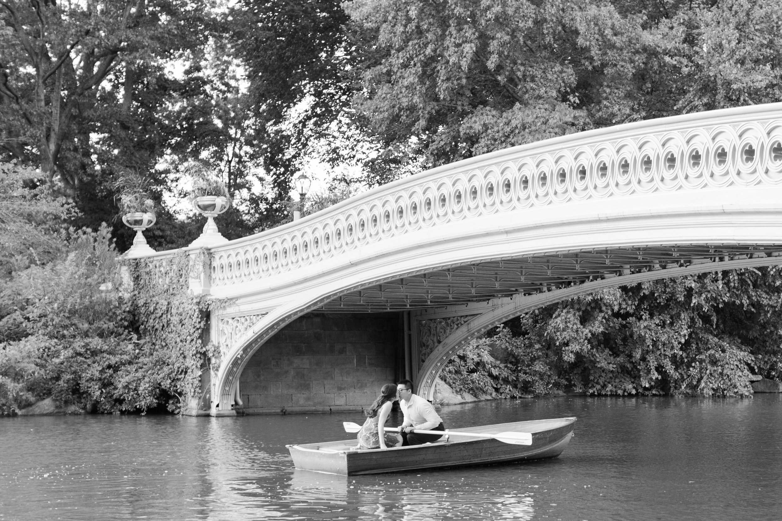 central-park-boathouse-engagement16.jpg