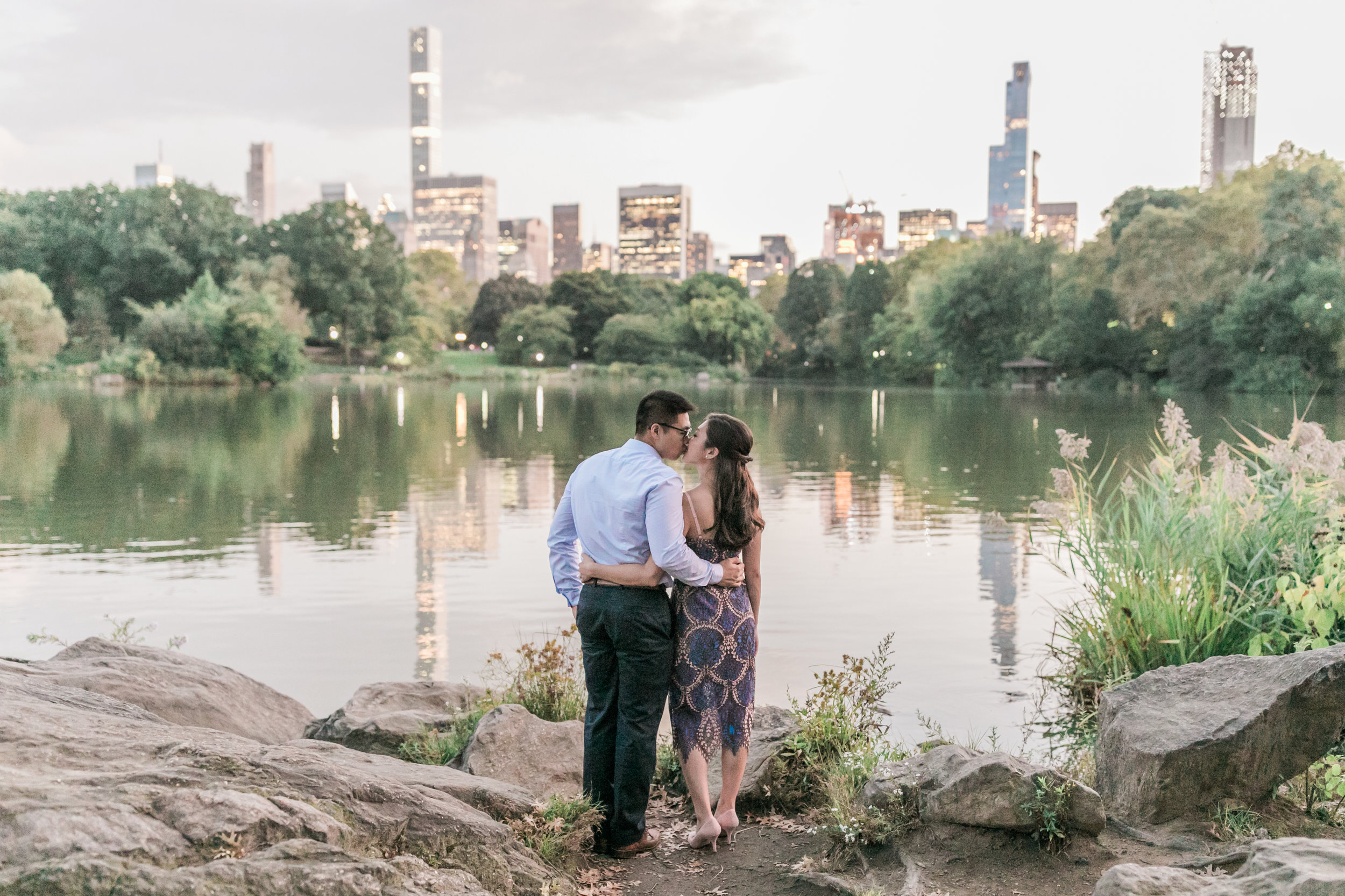 central-park-boathouse-engagement24.jpg