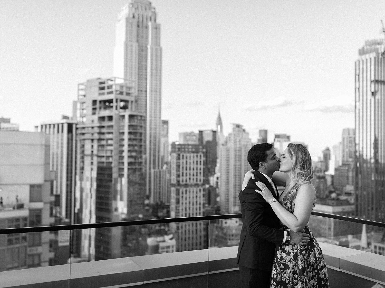 Manhattan Rooftop Engagement_0025.jpg