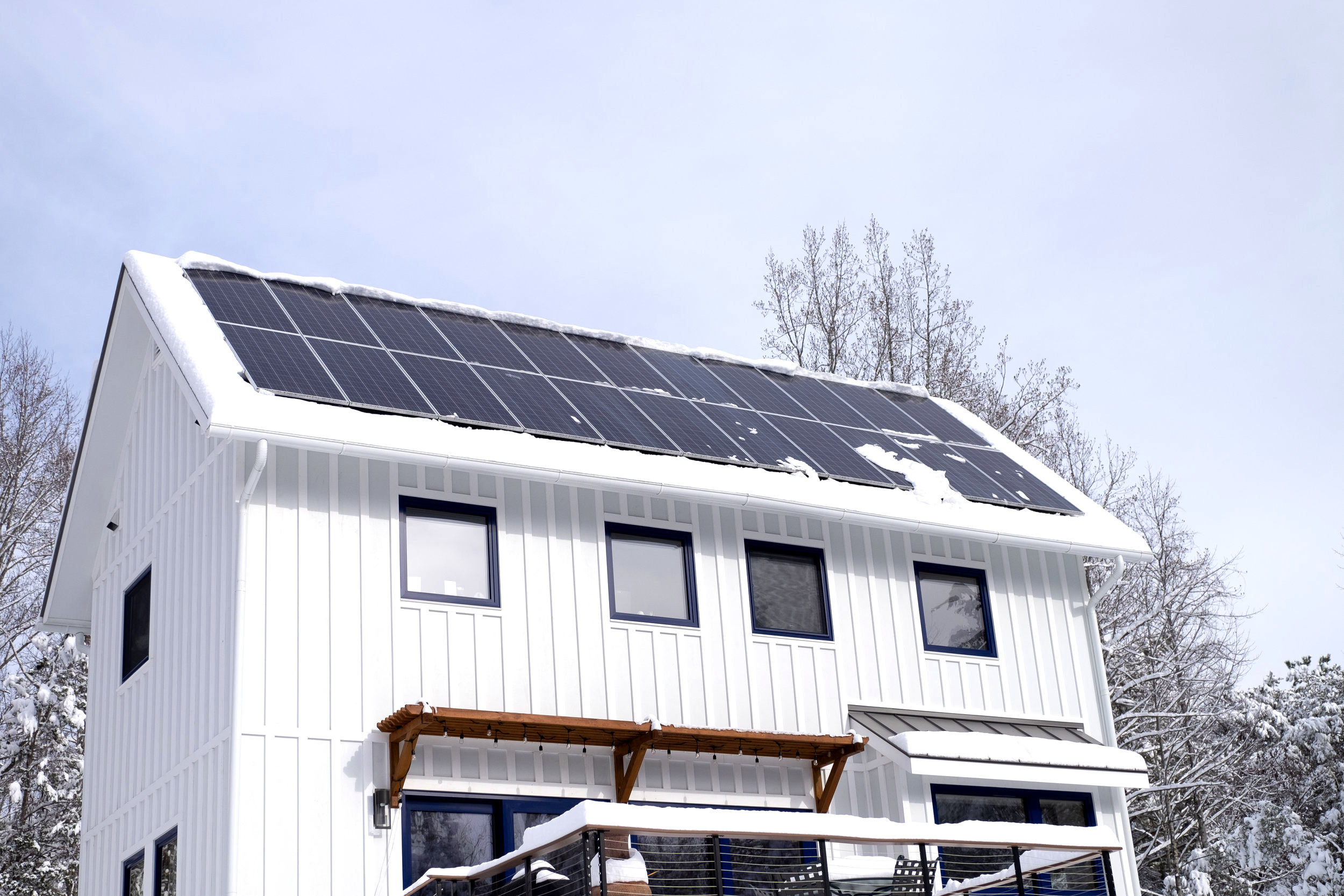 Franks Residence - Photovoltaics in the snow