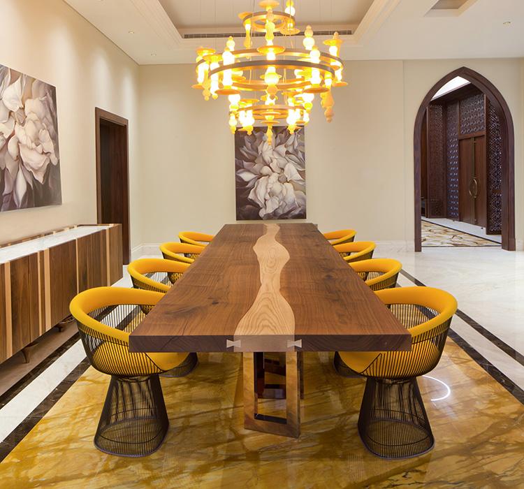 Il Pezzo 6 Table Villa K Dubai by Il Pezzo Mancante