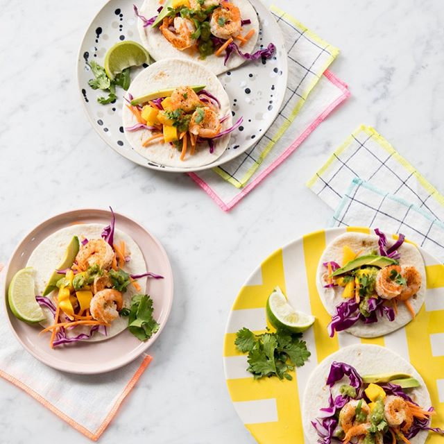 SUMMER TACOS with @ohjoy! Shrimp, cilantro, mango, avocado, and green goddess dressing! yum... And of course accompanied by our Everyday Napkins with OhJoy! SHOP them at @ohjoyco in a few styles and sizes.