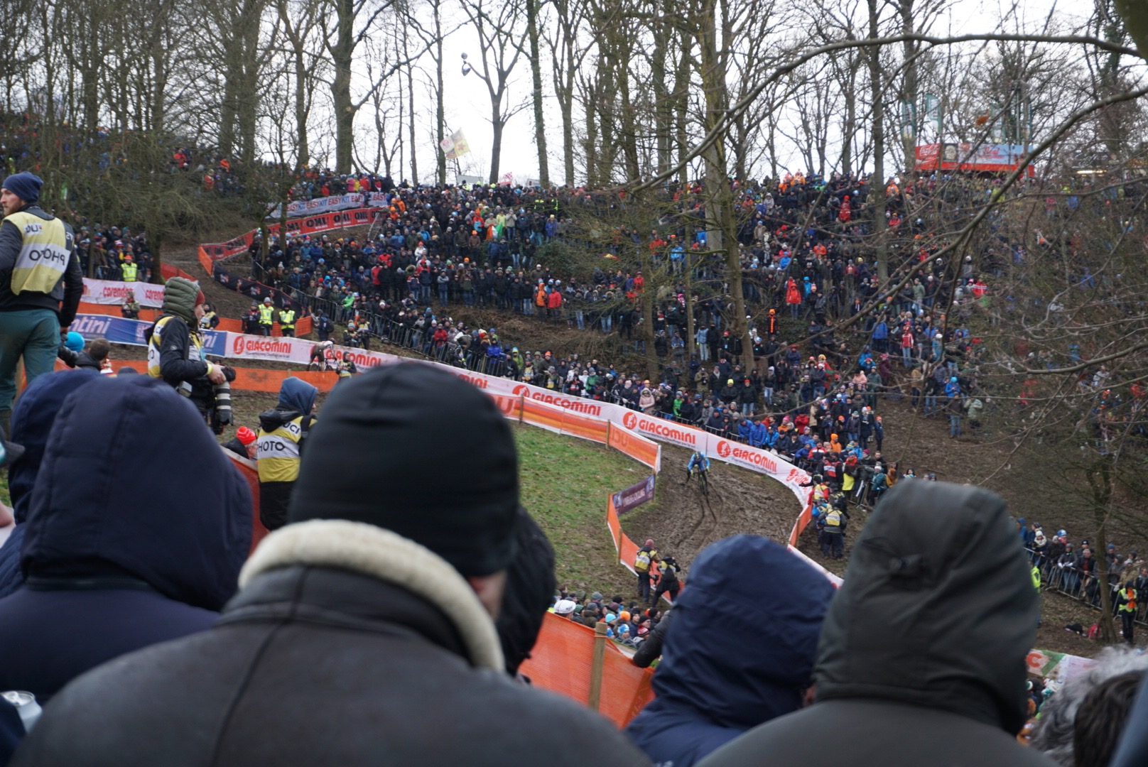 Always mind blowing to see the amount of people attending the Euro cross races. It was fun to get to watch the mens race with friends and family.
