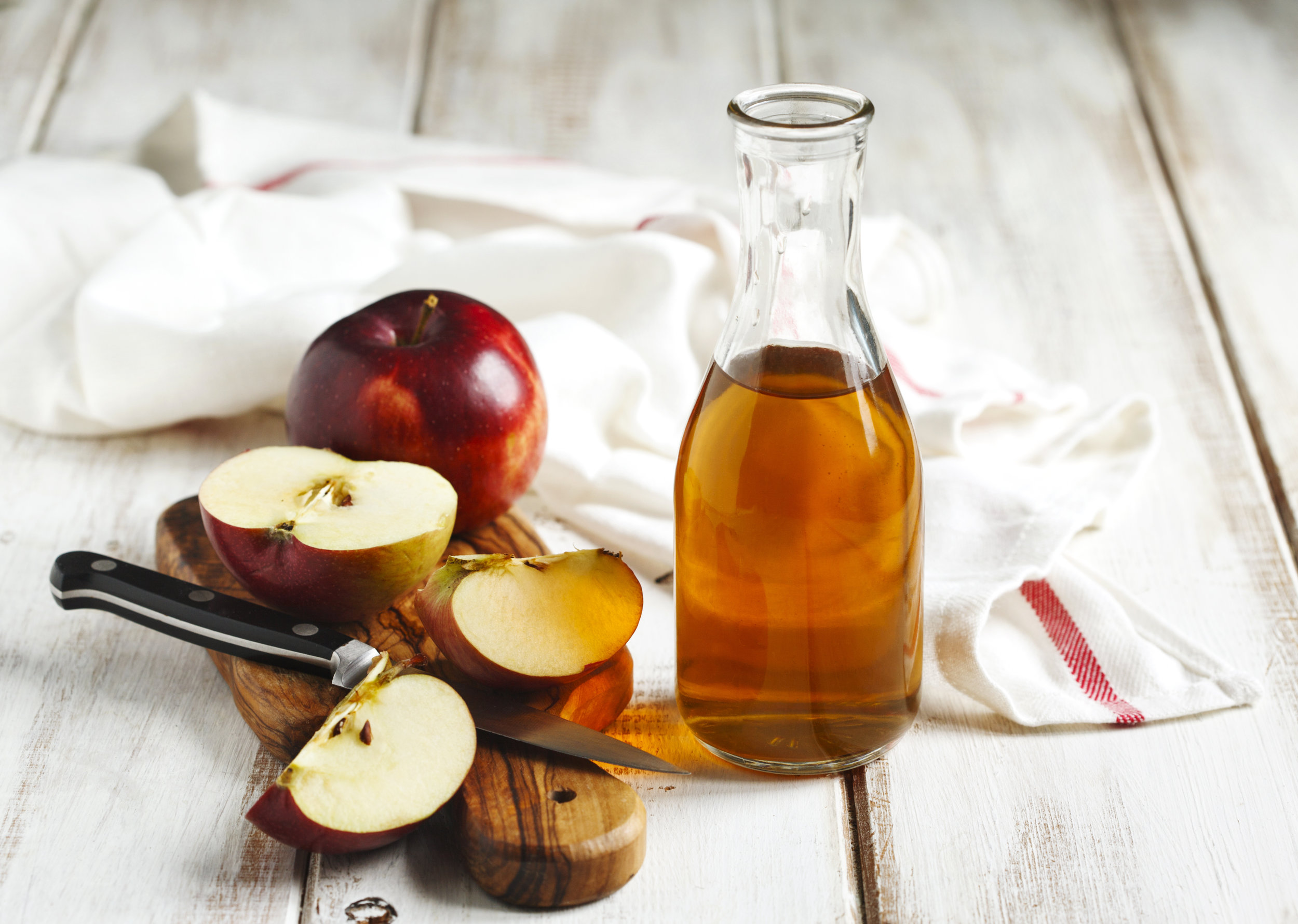 Does apple cider vinegar cure candida?