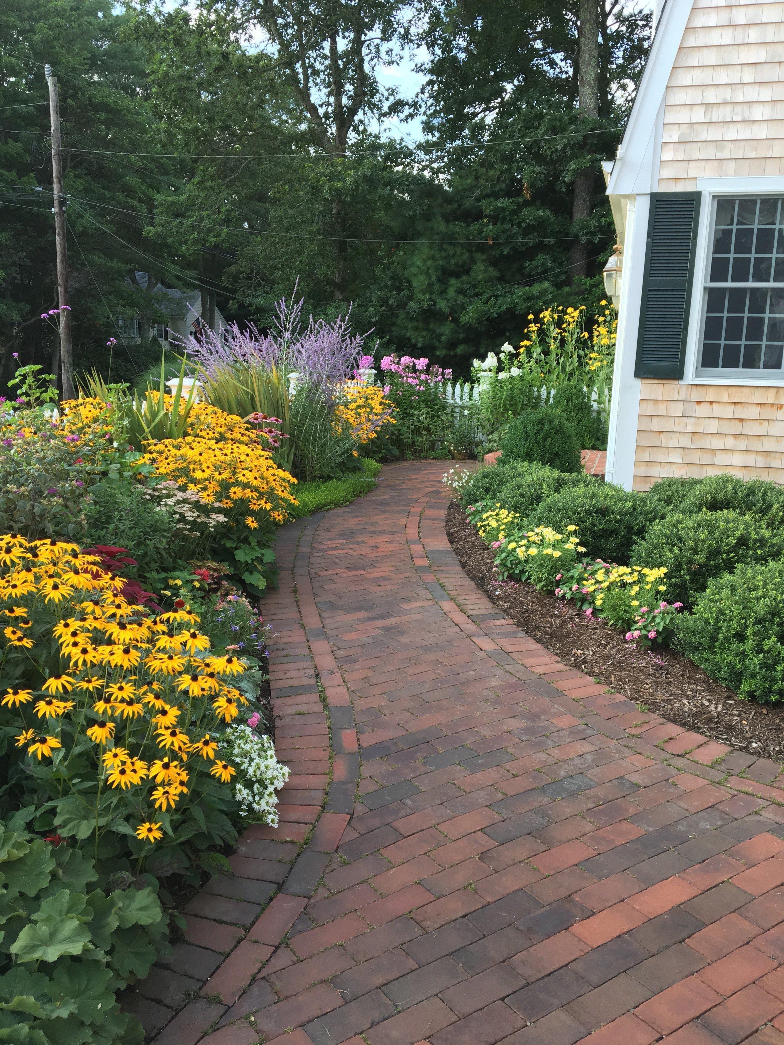 A garden in Centerville. View gallery (4)