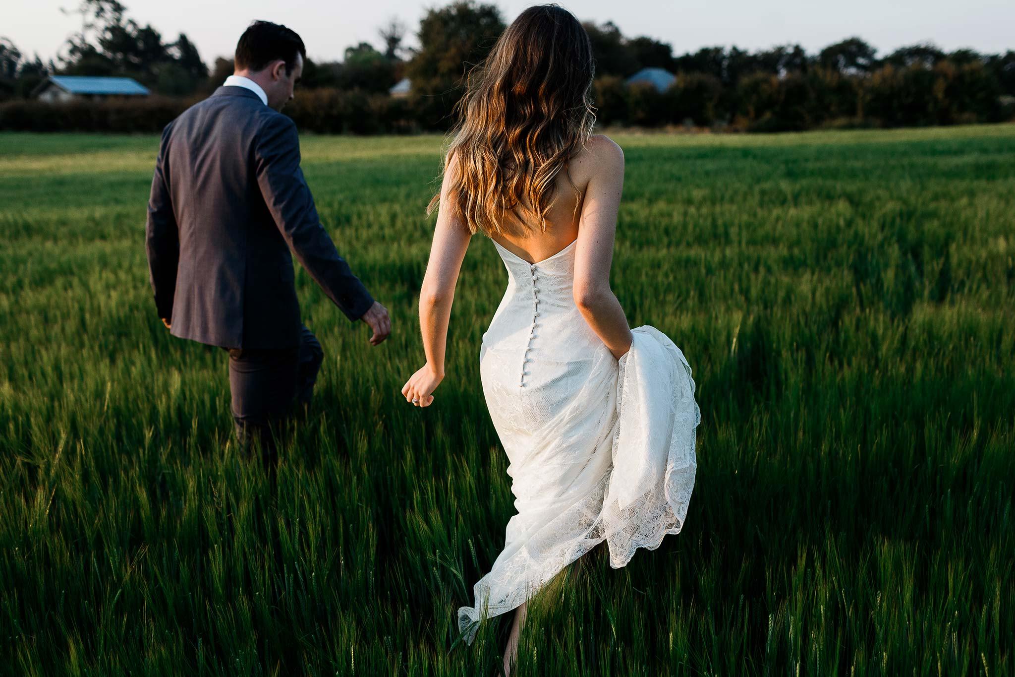 Bek_Burrows_Brickendon_Wedding_017.jpg