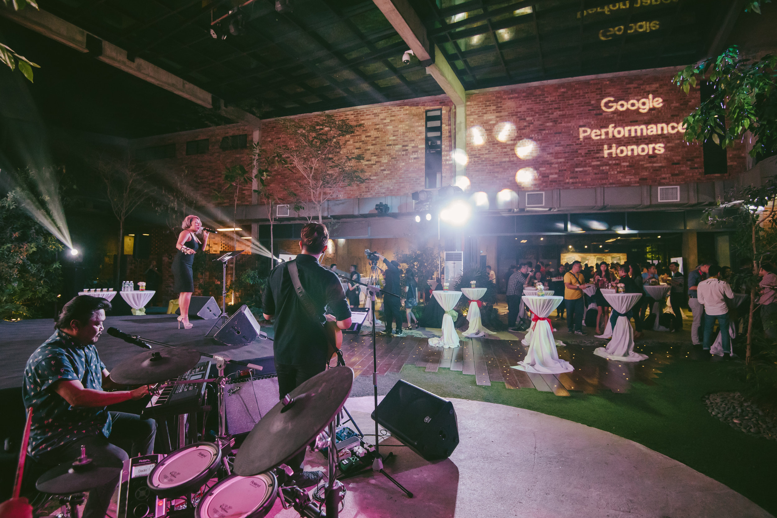 The venue was delightfully set up into a Google search engine, hosting the regions first ' Performance Honors'  awards. Glasshouse at Seputeh greeted the creative agencies that performed outstandingly in search ad campaigns in Asia-Pacific.