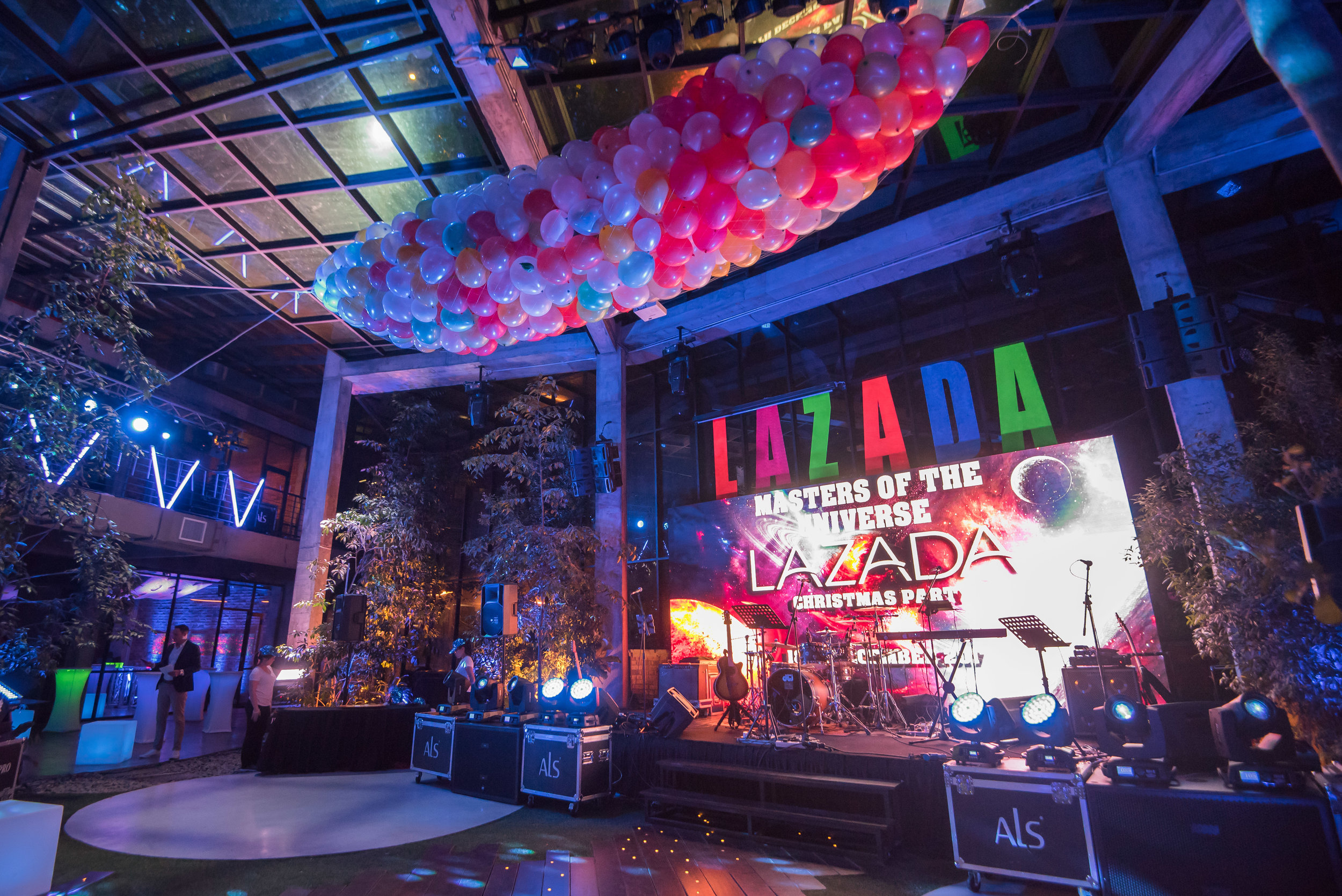Lazada Christmas Party(1).jpg