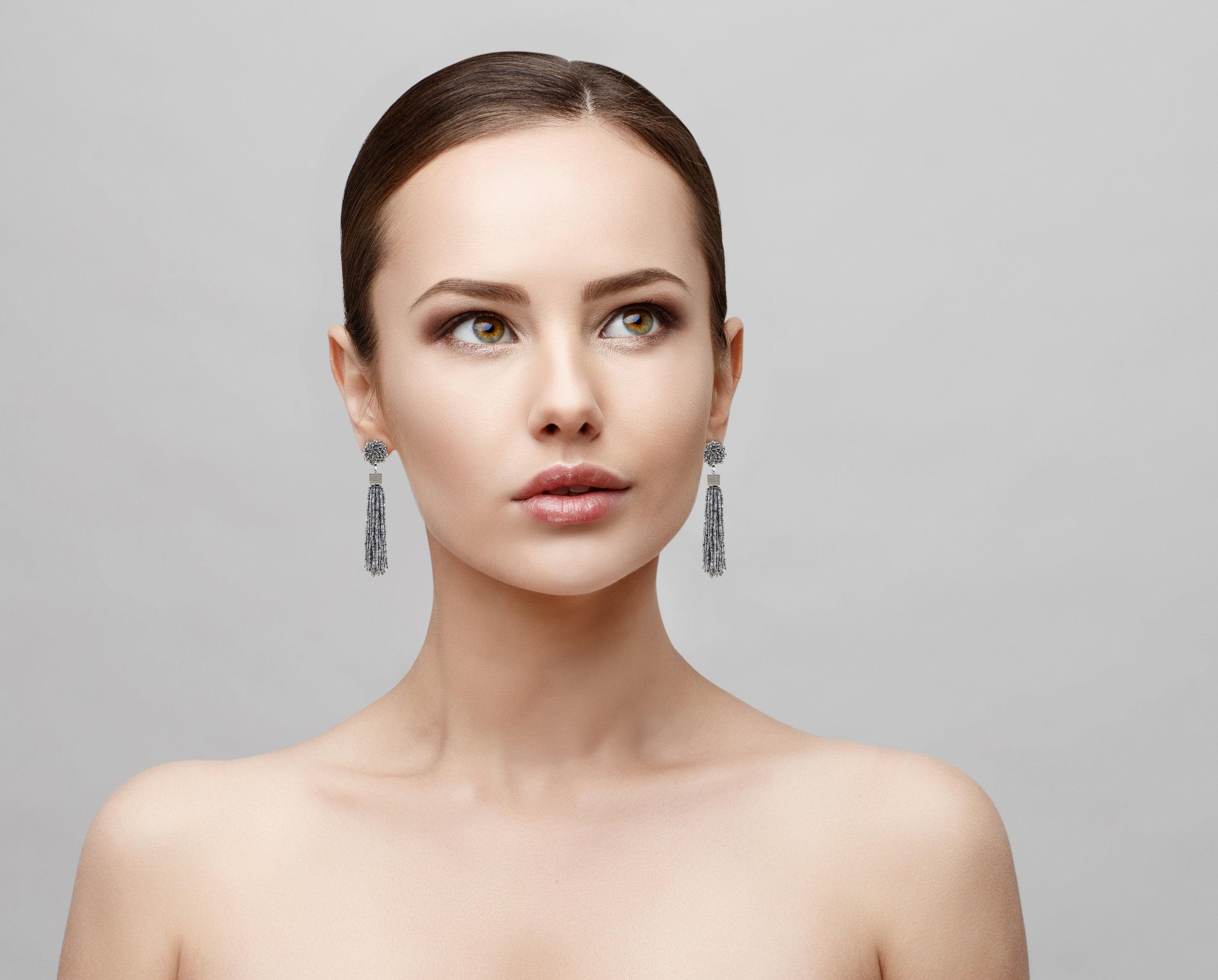Model-CE8-Earrings (deleted 8656100c5bf4d9eb21468c928c203681).jpg